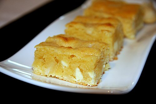 Brownie au chocolat blanc et aux noix de macadamia