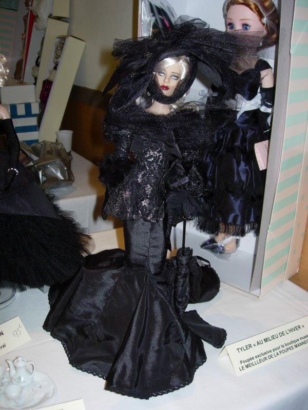 PARIS FASHION DOLLS 2010 .....