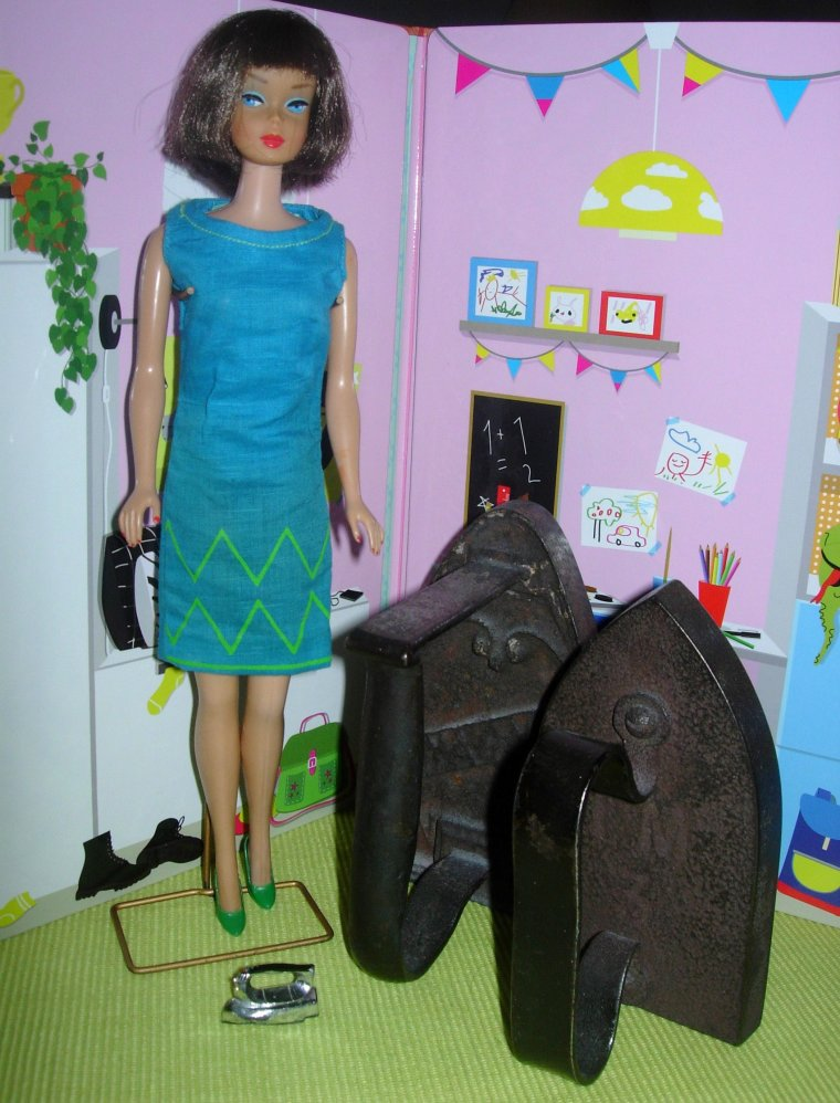 "••●✿Ƹ̵̡Ӝ̵̨̄Ʒ✿●••VINTAGE BARBIE AMERICAN GIRL ""Junior Designer""••●✿Ƹ̵̡Ӝ̵̨̄Ʒ✿●••"