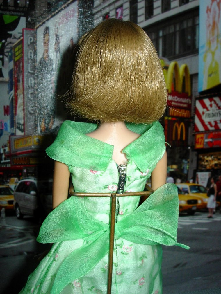 "VINTAGE BARBIE ""MODERN ART"" ..."