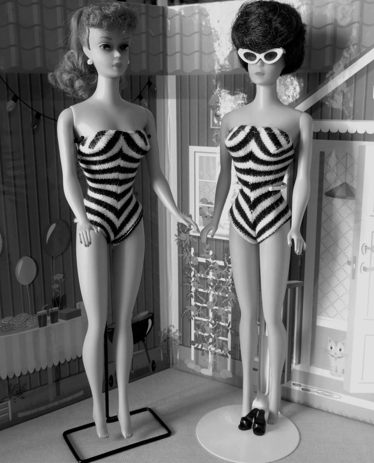 "BARBIE VINTAGE:  Bubble Cut - Ponytail - Swirl - Années 60 - ""IN THE SWIM"" ..."