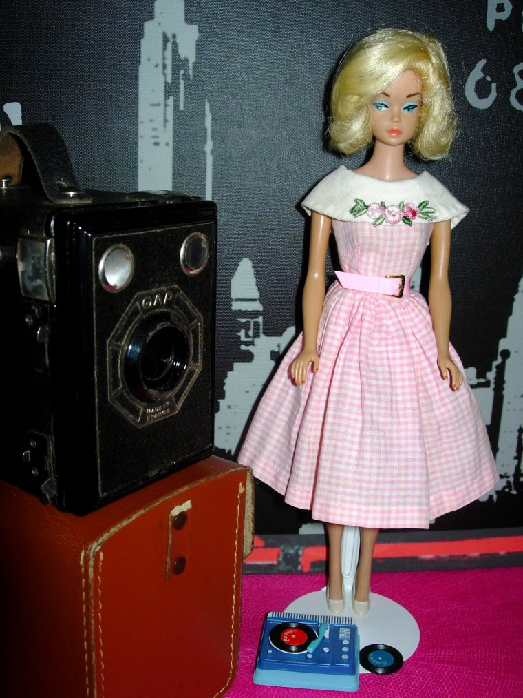 "BARBIE VINTAGE FASHION QUEEN ""DANCING DOLL"" (1965) ..."