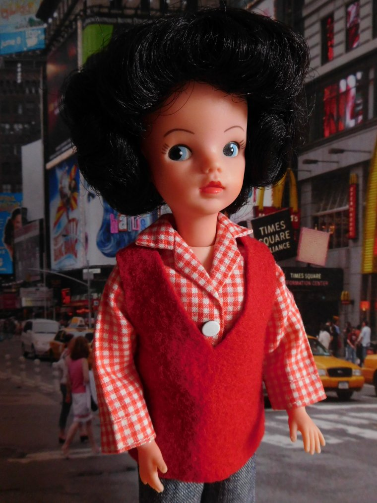 "POUPEE PEDIGREE - SINDY DOLL ""OUT - AND - ABOUT"" ..."