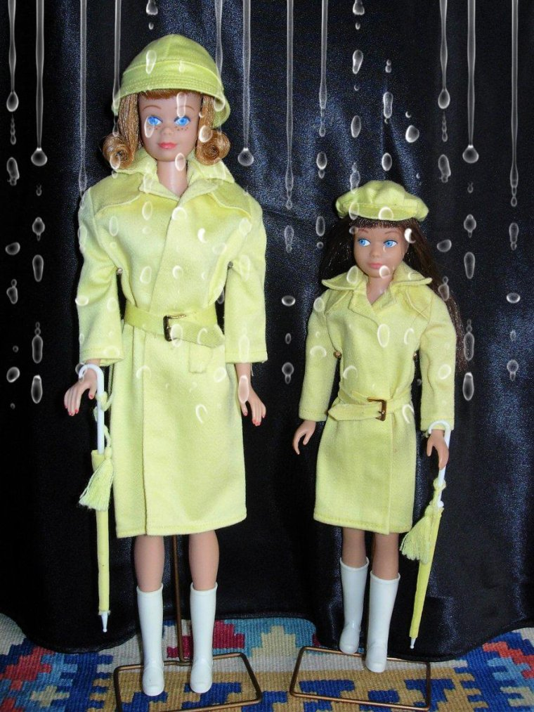 "BARBIE VINTAGE ""RAIN COAT"" & SKIPPER ANCIENNE ""RAIN OR SHINE"" :"