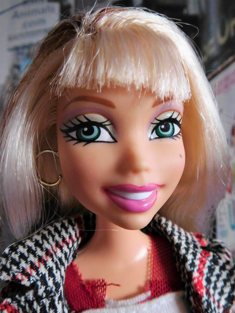"BARBIE MY SCENE ""FEELIN' FLIRTY"" - DELANCEY"