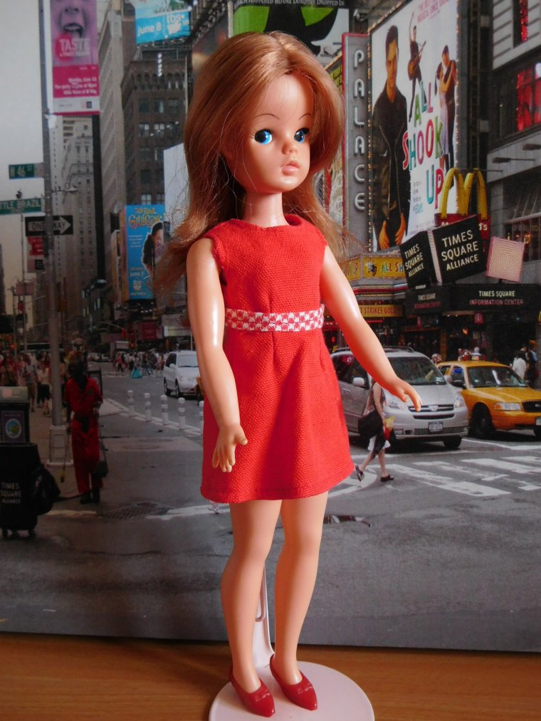 SINDY DOLL RED HOT 72/73