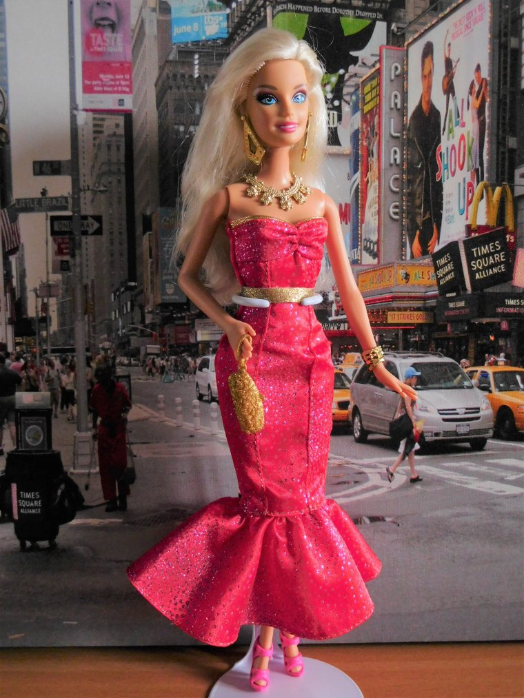"""BARBIE DOLL """"I CAN BE MOVIE STAR"""" - 2010 :"""