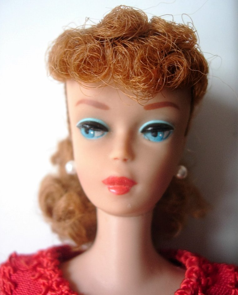 PORTRAITS DE BARBIE ANCIENNES : PONYTAIL - SWIRL - BUBBLE CUT - AG