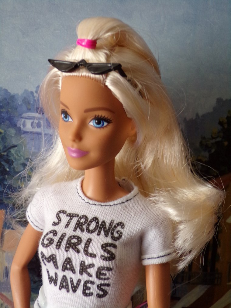 BARBIE DOLL FASHIONISTAS # 148 de 2020 :