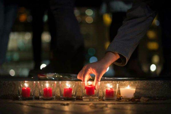 Aux victimes de Paris