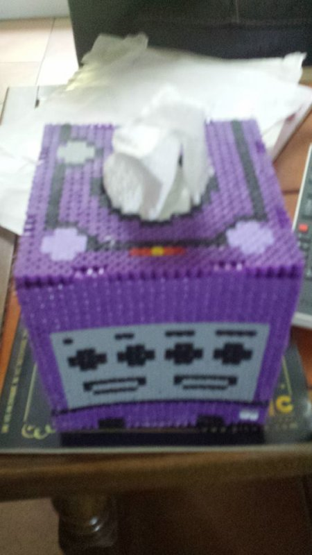 Boîte à mouchoirs Game cube ( MIDI )