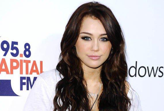 Miley Cyrus est a Paris a partir du 6 Septembre pour les besoins du remake US de LOL Alors si votre rêve est de rencontrer Miley c'est Now Or Never