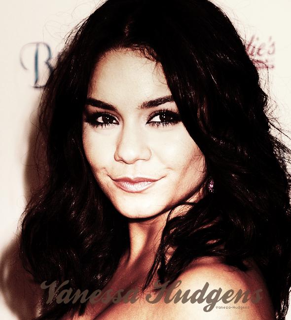 . Bienvenue Sur Vaneza-Hudgenz Un Blog Sur La Formidable Et Talentueuse......Vanessa Hudgens ♥.