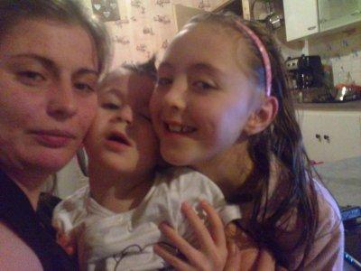 c encore moi avec mon neveu et ma soeur