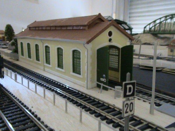 La Lampisterie et les deux remises à locomotives de Château-Vaillant