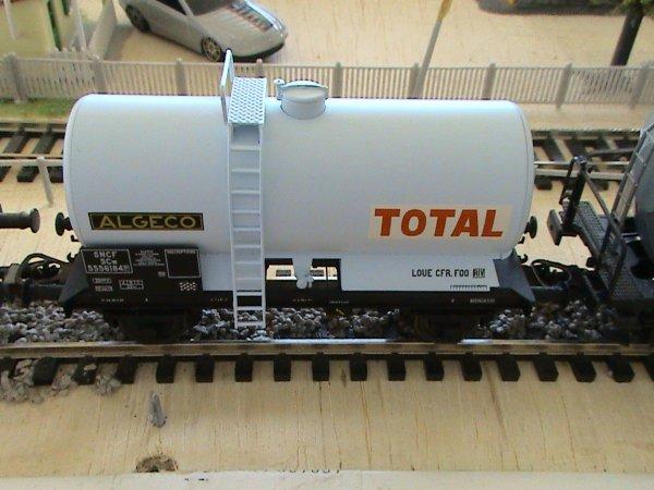 Nouveau wagons Algeco TOTAL de REE Modeles