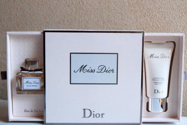 Miss Dior de DIOR - Création 2012 - Coffret Eau de parfum et lait
