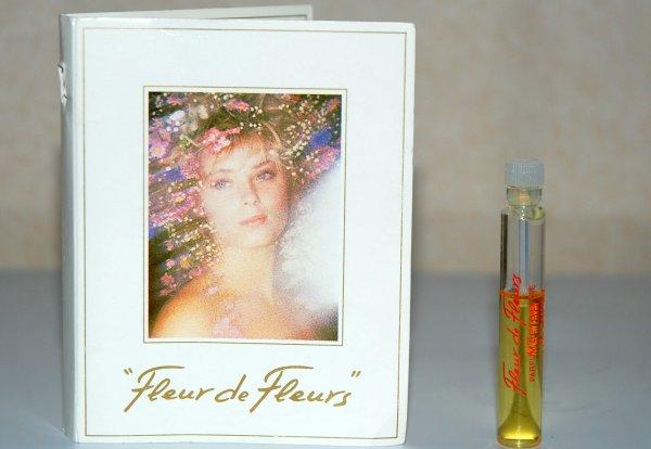 Fleur de Fleurs de RICCI - Création 1982 - Echantillon