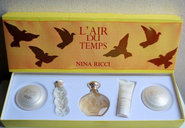 L'Air du Temps de RICCI - Création 1948 - Coffret cosmétiques - Suite