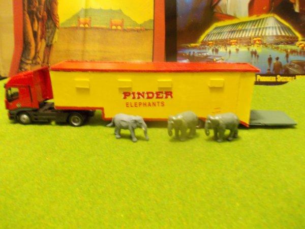 REMORQUE POUR LES ELEPHANTS