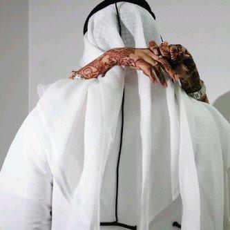 Les hommes cherchent la femme complète & les femmes cherchent l'homme complet. Mais ils oublient que Allah (soubhana wa ta'ala) les as crées pour qu'ils se complètent.
