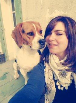 Le chien est notre ami, notre compagnon ; ce brave animal est toujours utile ou agréable a l'homme.
