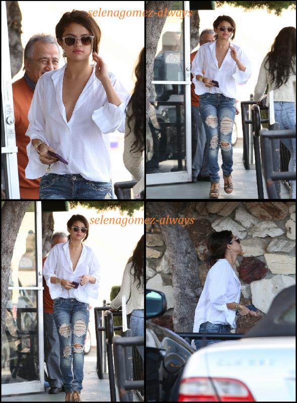Selena dans un restaurant deux jours de suite