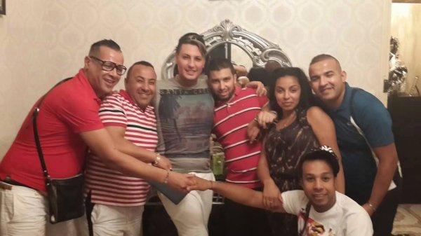 un beau groupe de gay algerien