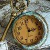 """""""Car les aiguilles tout au fond de l'horloge, battent la mesure et jamais ne dérogent..."""""""