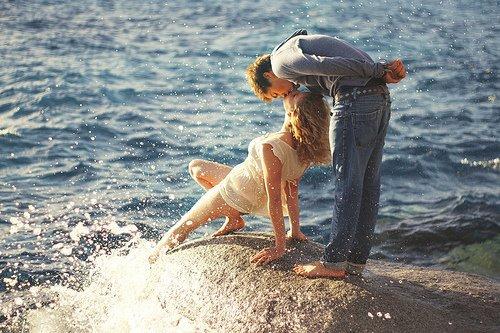 « Avec toi, je suis heureuse même quand je suis malheureuse. Sans toi, je suis malheureuse même quand je suis heureuse.♥ »