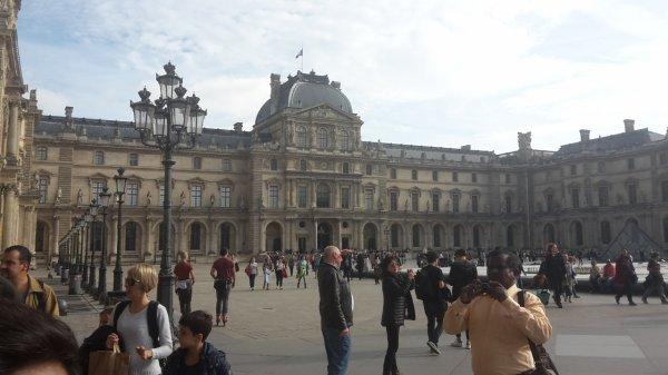 Coucou les z'amis sortie Musée du Louvres  1