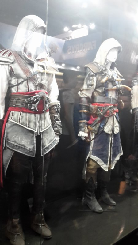 Paris games week 2017  divers/ assassin's creed costumes 4