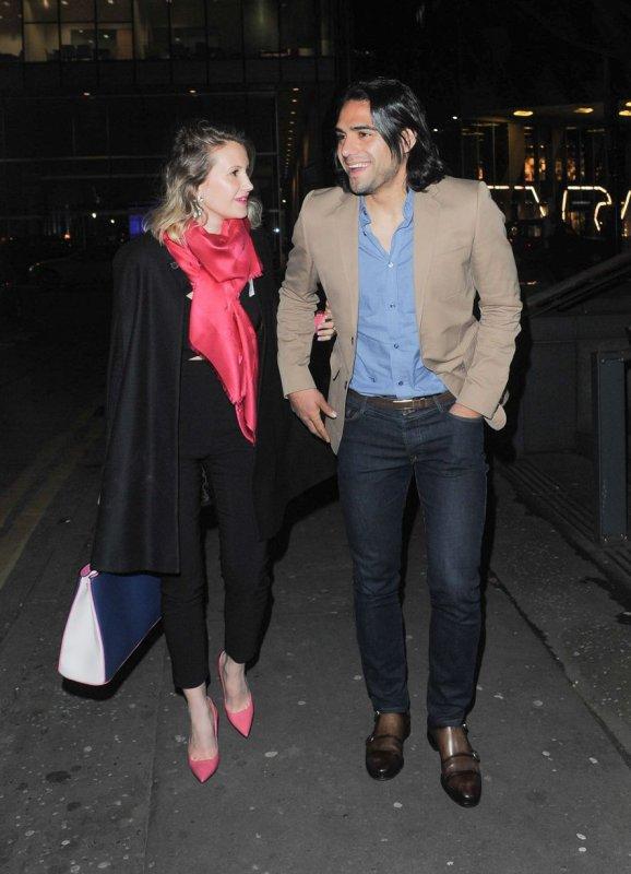 Radamel & Lorelei Falcao en amoureux dans les rue de Manchester