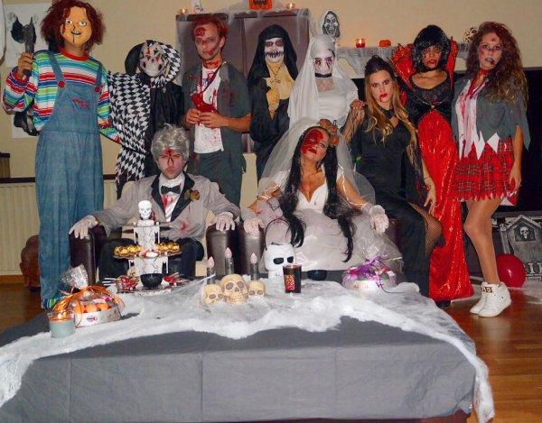 Les joueurs du barça & leur femme fêtent Halloween (Iniesta / Rakitic / Bartra / Busquets/ Alba)