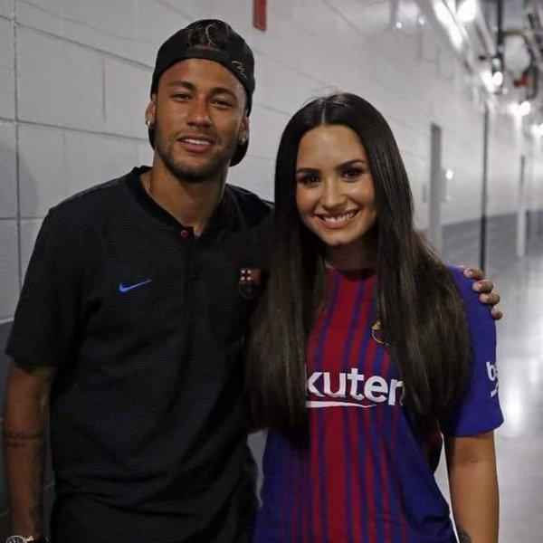 Neymar Jr & Demi Lovato