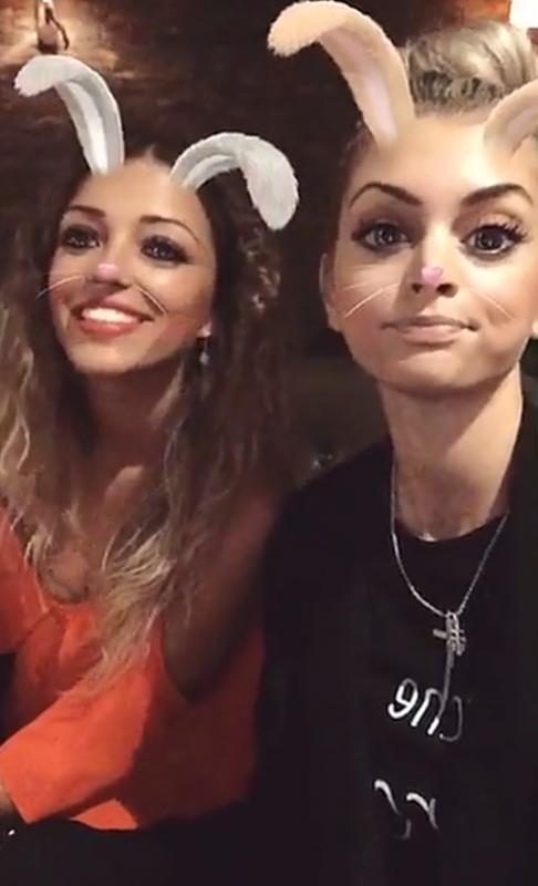 Mélanie Da Cruz & Camille Sold