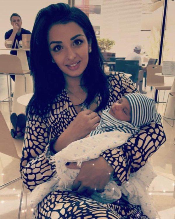 Hayet Abidal & son fils