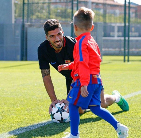 Luis Suarez & son fils