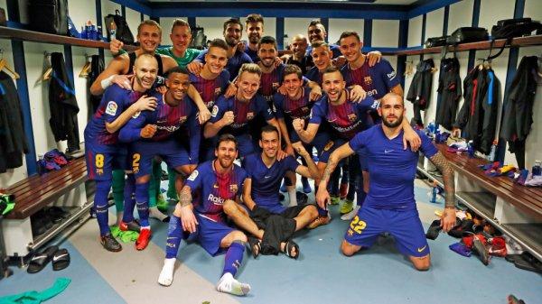 Les joueurs du Barça après leur victoire 3-0 face au Real Madrid