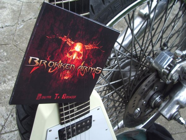 BROKKEN ARMS (CD 5 TITRES).