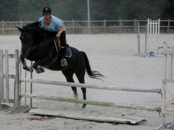 «Le cheval idéal n'est pas le cheval parfait, c'est juste celui dont on n'aime tout, même ses défauts...♥ »