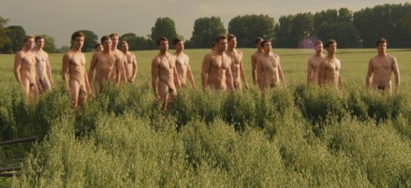 Calendrier: Comme chaque année, de jeunes étudiants anglais posent nus contre l'homophobie - Regardez