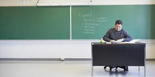 Homophobie : un prof gay écarté de son poste le temps de « guérir »