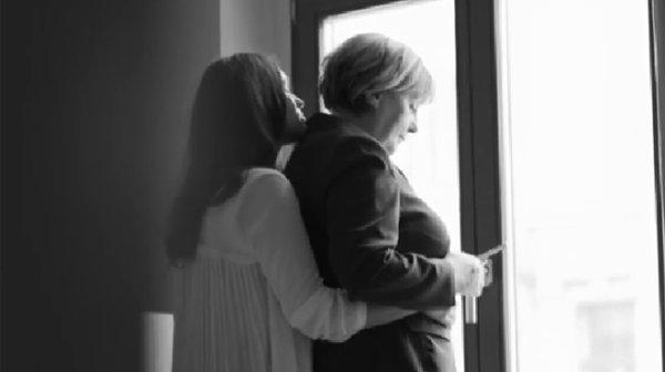 Merkel en couple avec une femme pour faire la pub d'un magazine lesbien (vidéo)