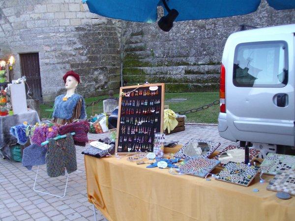 Photos du marché noctune de Langeais notre etale etais  au pied du chateau de Langeais vendredi  soir 30 aout 2013