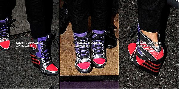 . 21/09/10__Cheryl Cole a été vue alors qu'elle quittait Sumosan Mayfair  un restrant a Londres avec des Adidas à talons. 21/09/10__ + La paire de chaussures funky ont été conçus par Yohji Yamamoto pour la marque Adidas. T'aime ?  .