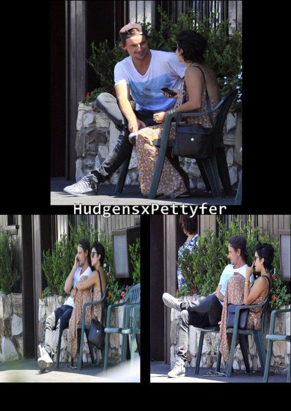 Sunday , August 21st : Vanessa mange avec un homme mystérieux .