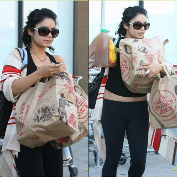Tuesday, September 27th ; Vanessa faisant quelques amplettes à Trader Joe's à Los Angeles.
