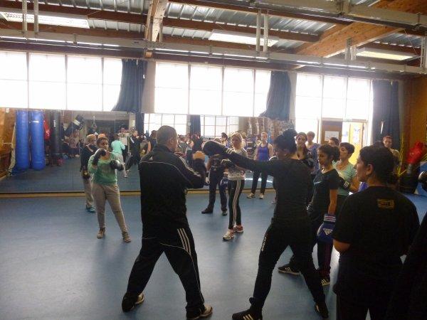 """stage boxe feminine a douai 23 fevrier acte 4""""venez vous mettre dans la peau d une championne"""""""