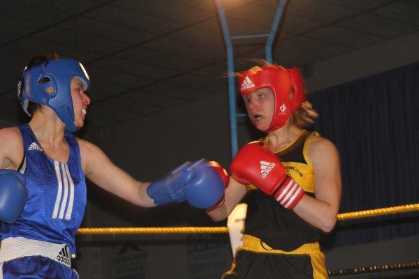 mes boxeurs remy, leo, laura et loic gala du 11 avril a dorignies